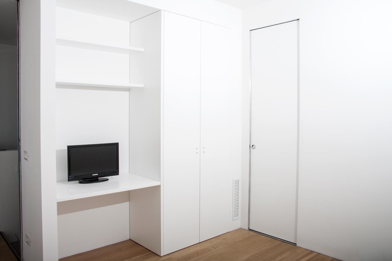 2 ante battenti con fianco di rivestimento e scrivania